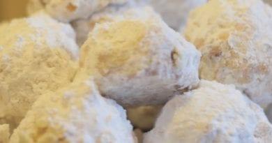 Κουραμπιέδες χιονόμπαλες - συνταγές - Μαριάννα Λαγουμίδη