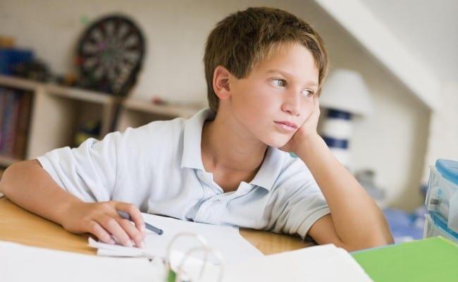 5 Πράγματα που ΔΕΝ Πρέπει να Πείτε στο Παιδί με Διάσπαση Προσοχής