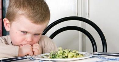 Αρνείται να φάει το παιδί: τι πρέπει να κάνω;