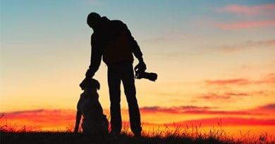 photographer-with-dog