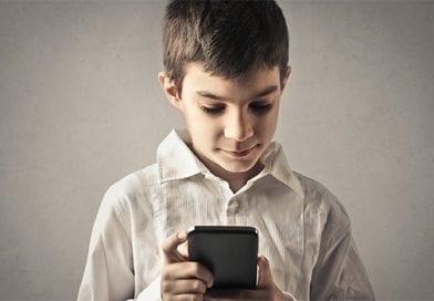 Κινητό τηλέφωνο: Κίνδυνος στην ψυχική υγεία του παιδιού με ΔΕΠ-Υ